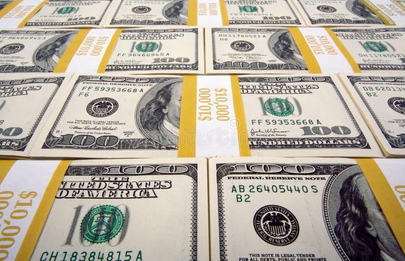 Download Lle Pile Di Cento Fatture Del Dollaro Immagine Stock - Immagine di economico, valute: 3132251