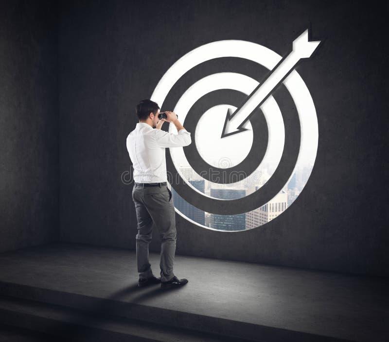 Llegue una meta del éxito Visión acertada del hombre de negocios representación 3d imagen de archivo