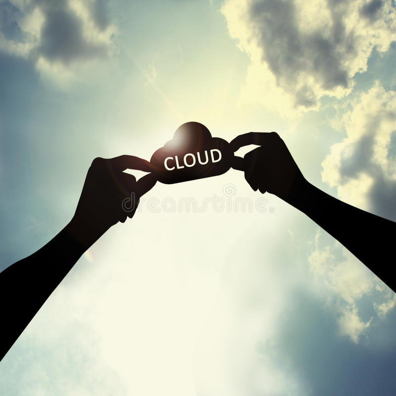 Llevar a cabo forma de la nube en cielo ilustración del vector