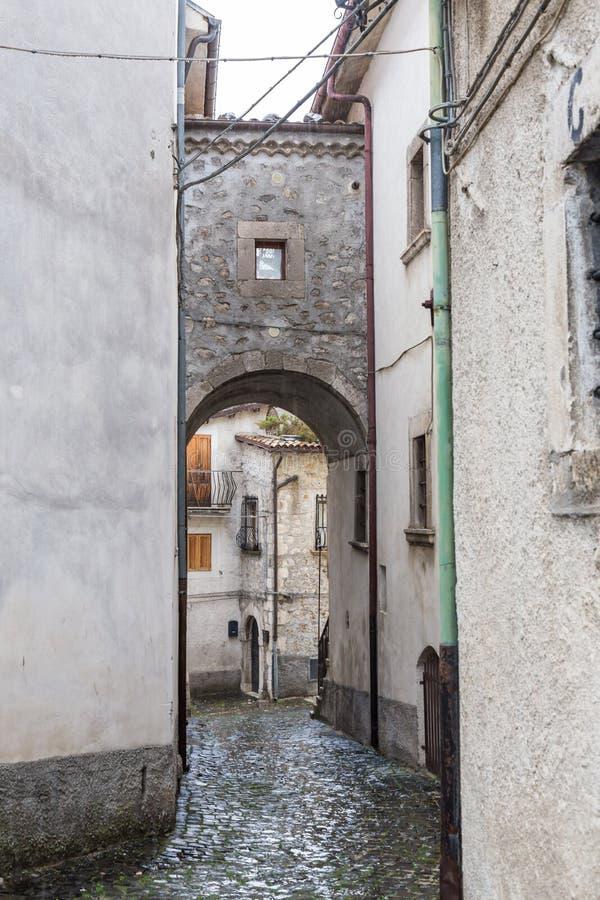Lleve el centro del pueblo, Villetta Barrea, Abruzos, AIE foto de archivo libre de regalías
