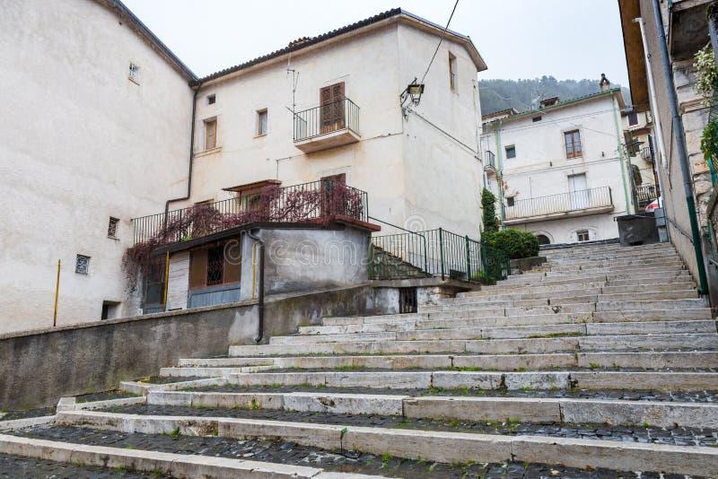 Lleve el centro del pueblo, Villetta Barrea, Abruzos, AIE fotos de archivo libres de regalías