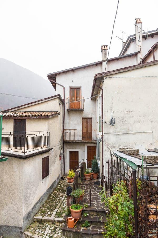 Lleve el centro del pueblo, Villetta Barrea, Abruzos, AIE fotos de archivo