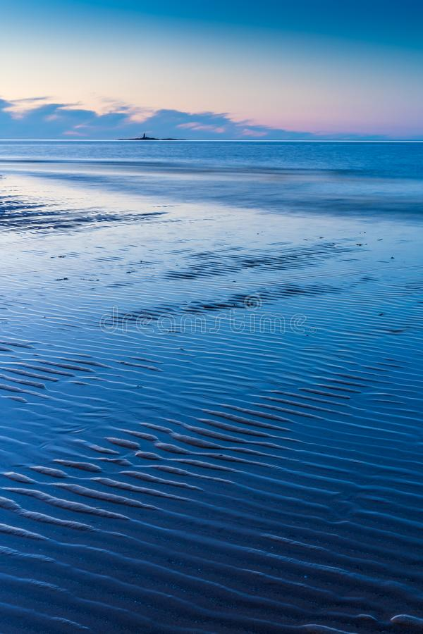 LLigwy strand nära Moelfre, Anglesey norr Wales royaltyfri bild