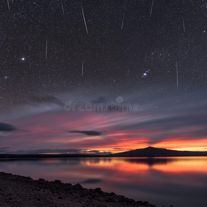 Lluvia de meteoritos foto de archivo libre de regalías