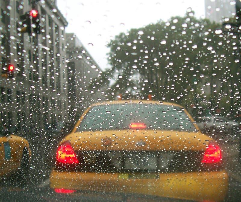 Lluvia del taxi NY New York City de la casilla de la ventana de coche fotos de archivo libres de regalías