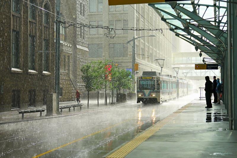 Lluvia en Calgary imagenes de archivo