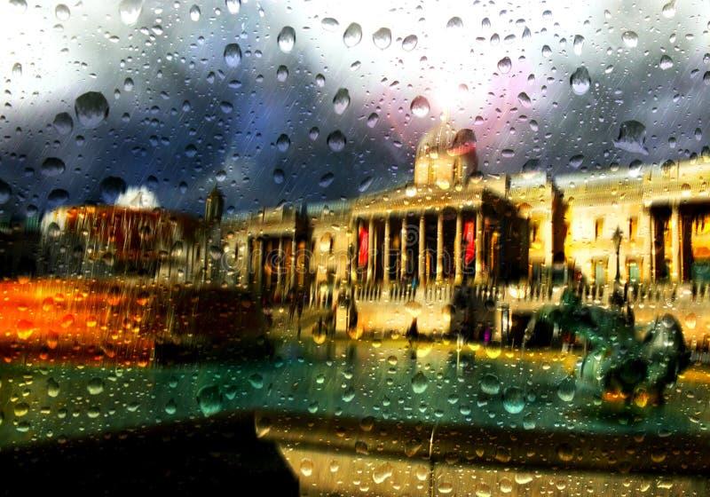 Lluvia en Londres en Trafalgar Square imagenes de archivo
