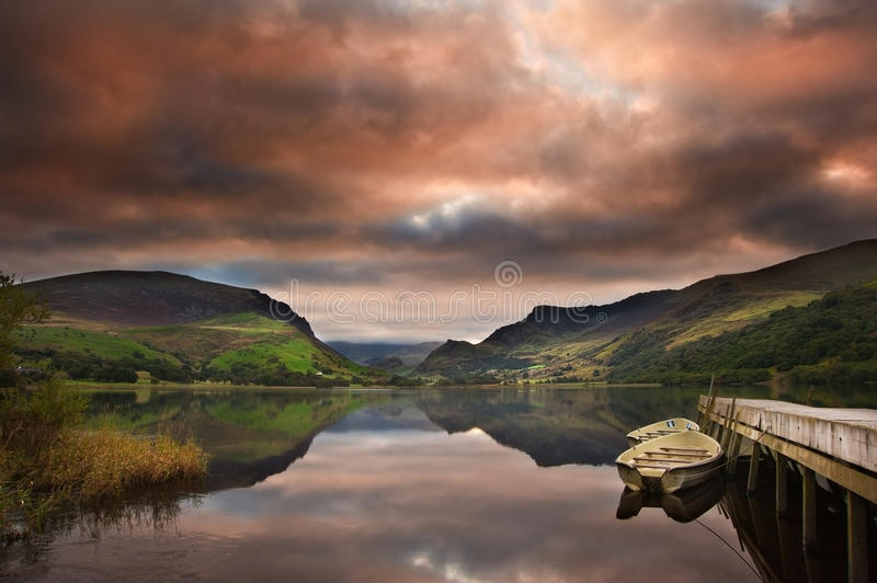 Download Llyn Nantlle At Sunrise Looking Towards Mt Snowdon Stock Photo - Image: 26998940