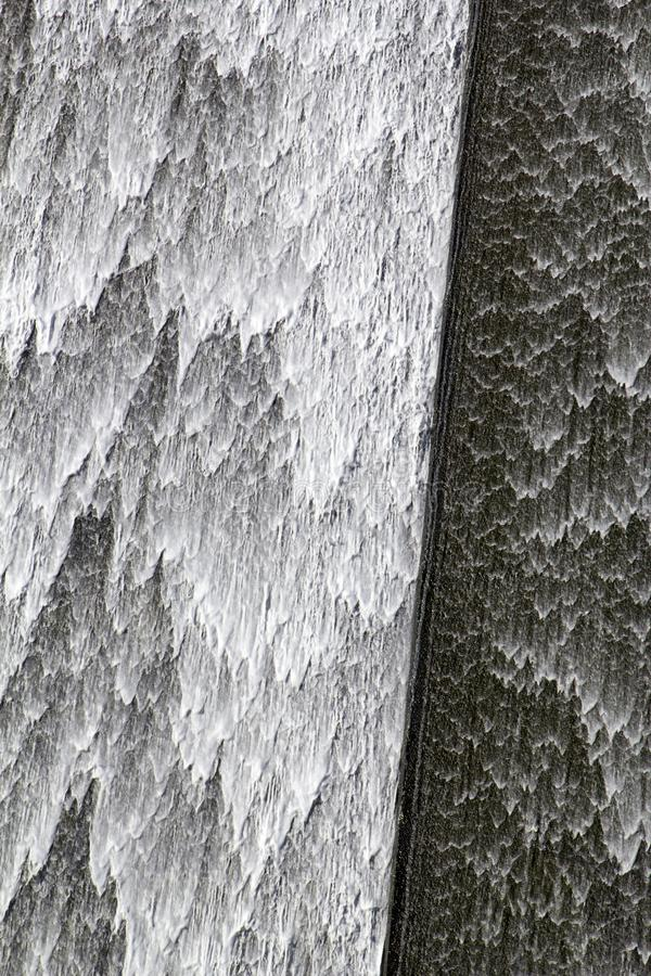 Llys y Fran Reservoir Dam överflöd arkivbilder