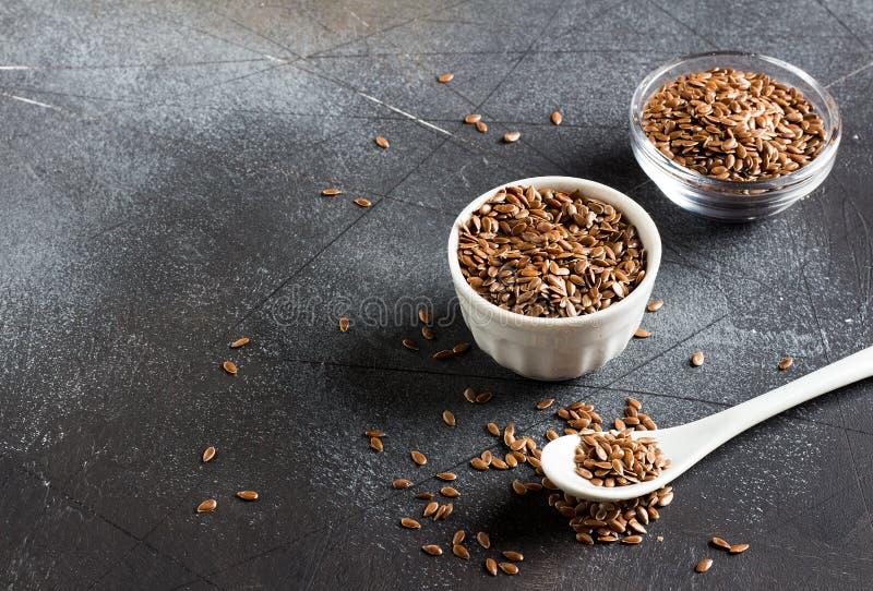 Lnów ziaren linseed superfood żywności organicznej zdrowy pojęcie zdjęcie stock