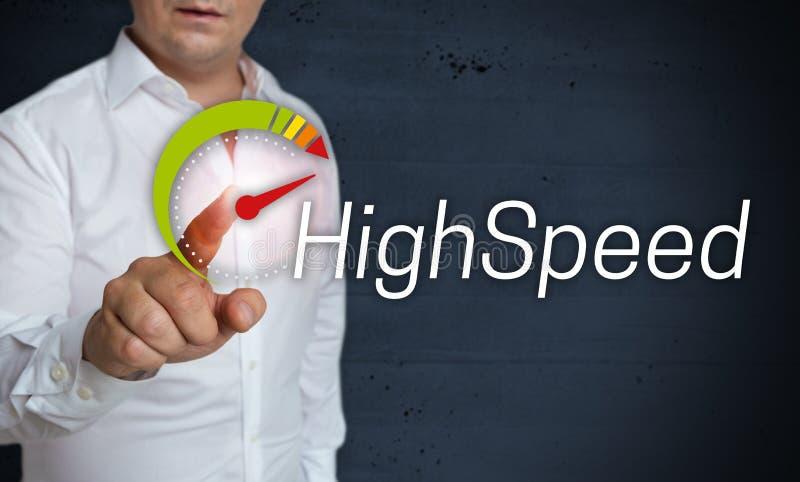 Lo schermo attivabile al tatto ad alta velocità è azionato dal concetto dell'uomo immagine stock