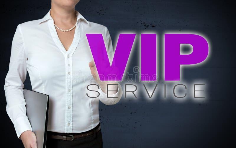 Lo schermo attivabile al tatto di servizio di VIP è indicato dalla donna di affari fotografie stock