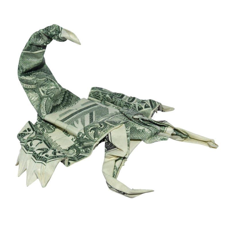 Lo SCORPIONE verde di origami dei soldi ha piegato con l'un fondo bianco reale di Bill Scorpio Zodiac Sign Isolated del dollaro fotografia stock