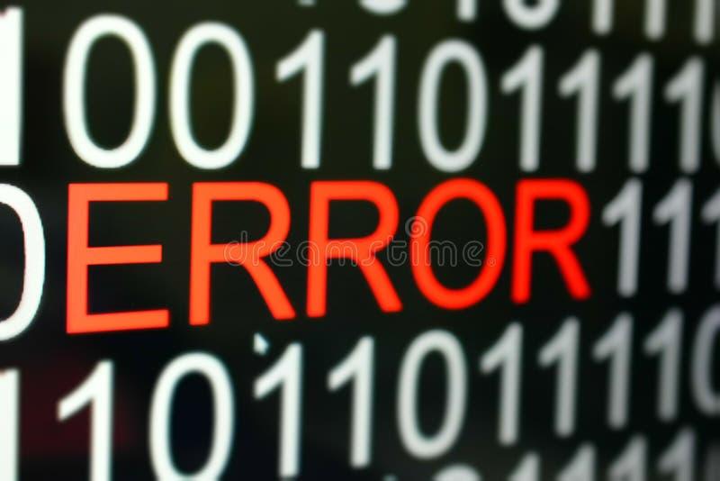 Lo sfondo del numero di codice binario e la parola ERROR in rosso fotografia stock libera da diritti