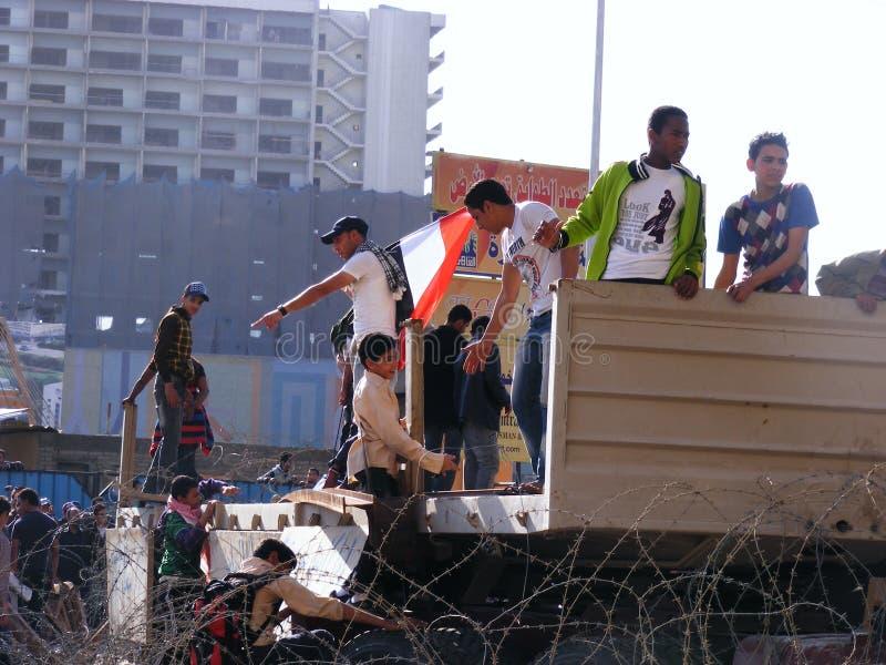 La gente che si riunisce nel quadrato di Tahrir immagini stock libere da diritti