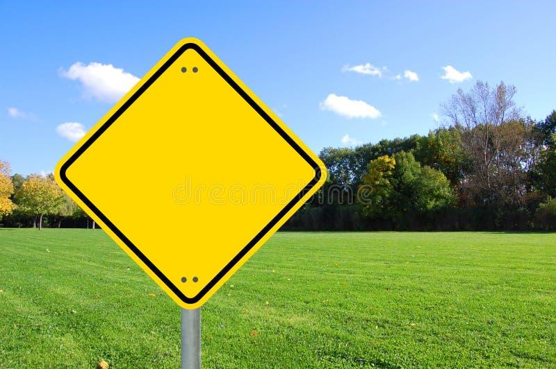 Lo spazio in bianco giallo del segno e svuota immagine stock libera da diritti