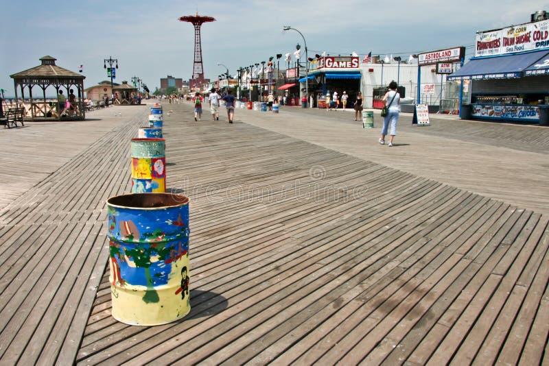 Lo spuntino di Coney Island compera lungo il sentiero costiero fotografie stock libere da diritti