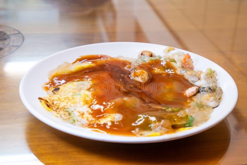 Lo spuntino tradizionale distintivo di Taiwan del omele dell'ostrica, squisitezze di Taiwan fotografie stock