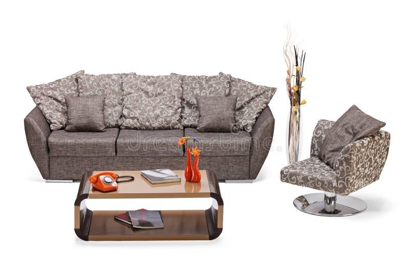 Lo studio ha sparato di una mobilia, di un sofà e di una presidenza moderni immagine stock libera da diritti
