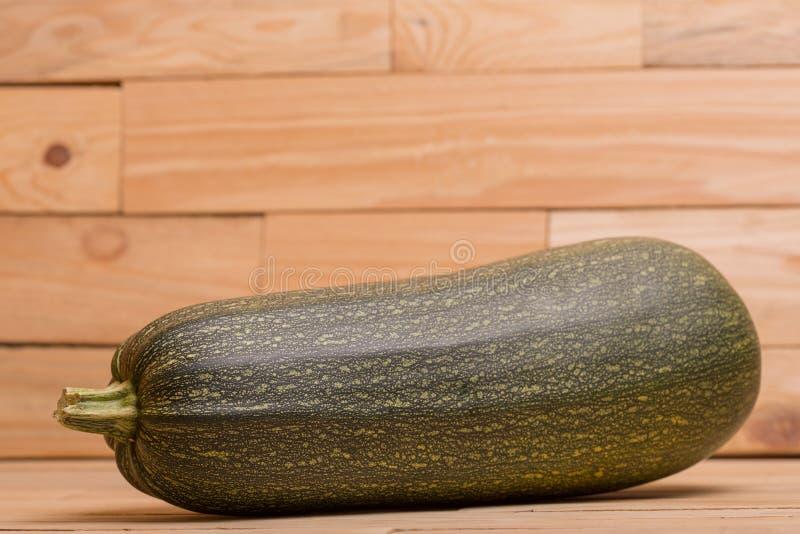 lo zucchini freschi del taglio fotografia stock