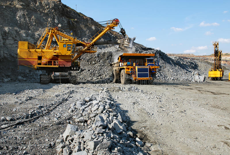Download Loading Of Iron Ore Royalty Free Stock Photos - Image: 10492068