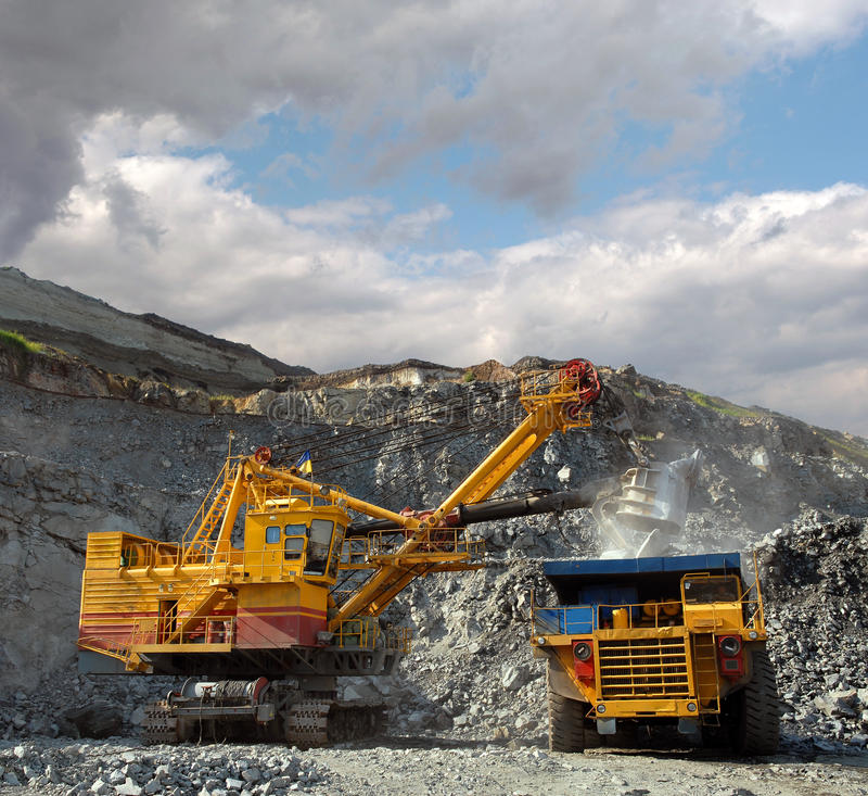 Download Loading of iron ore stock photo. Image of industry, navvy - 10868210