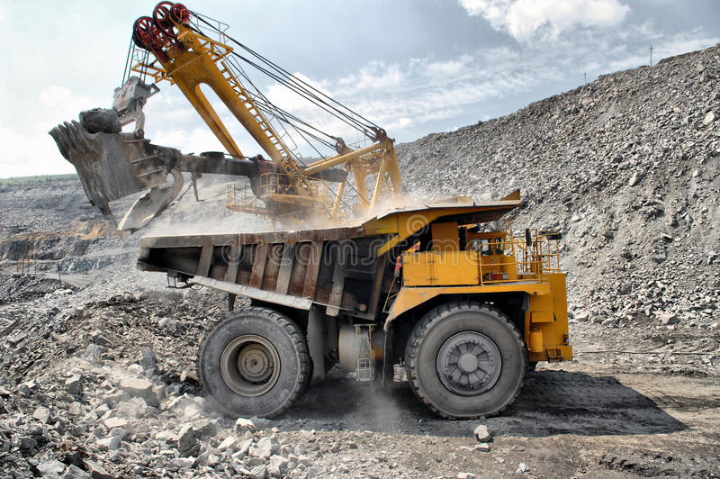 Download Loading Of Iron Ore On Truck Stock Image - Image: 34140677