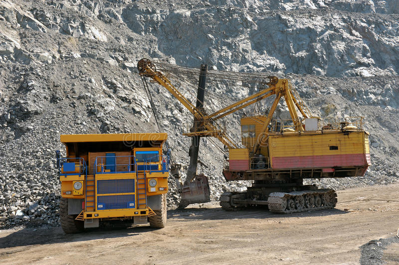 Download Loading of iron ore stock image. Image of excavator, open - 31774419