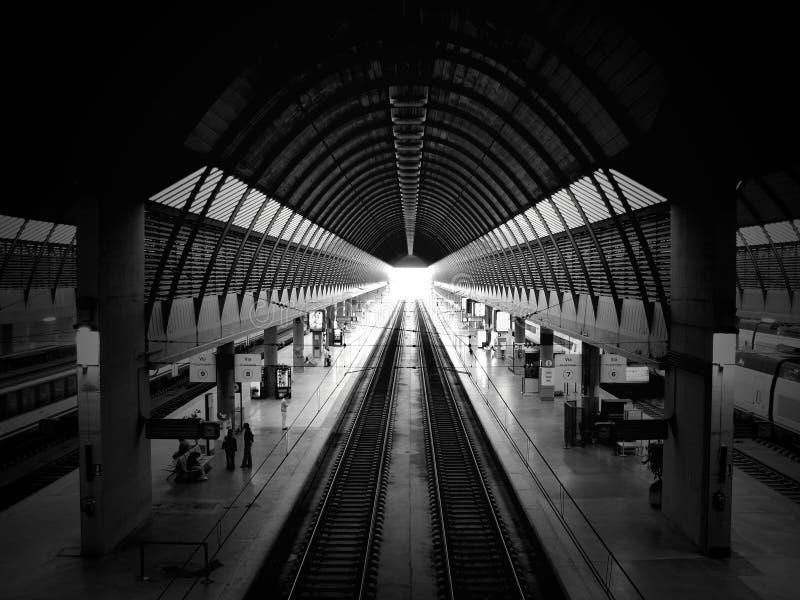 Lobby de attente de station de train images stock