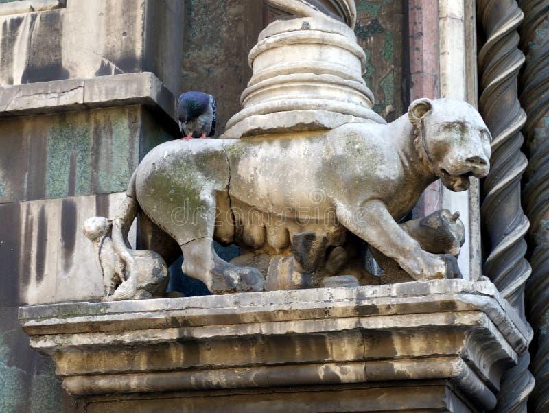 Lobo da estátua e Romulus e Remus fotografia de stock royalty free