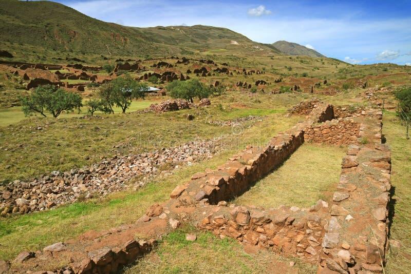 Local arqueológico de Piquillacta, ruínas antigas de surpresa do Pre-Inca no vale sul de Cusco, Peru imagem de stock