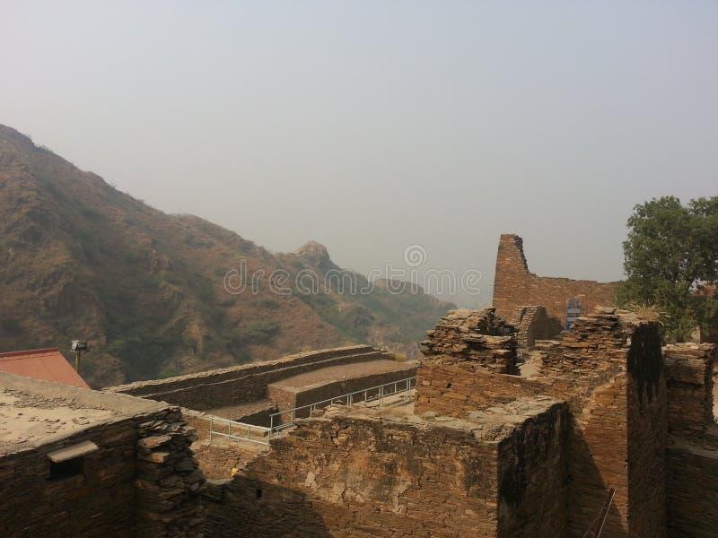 Local arqueológico de Takht-i-Bhai Parthian e monastério budista foto de stock