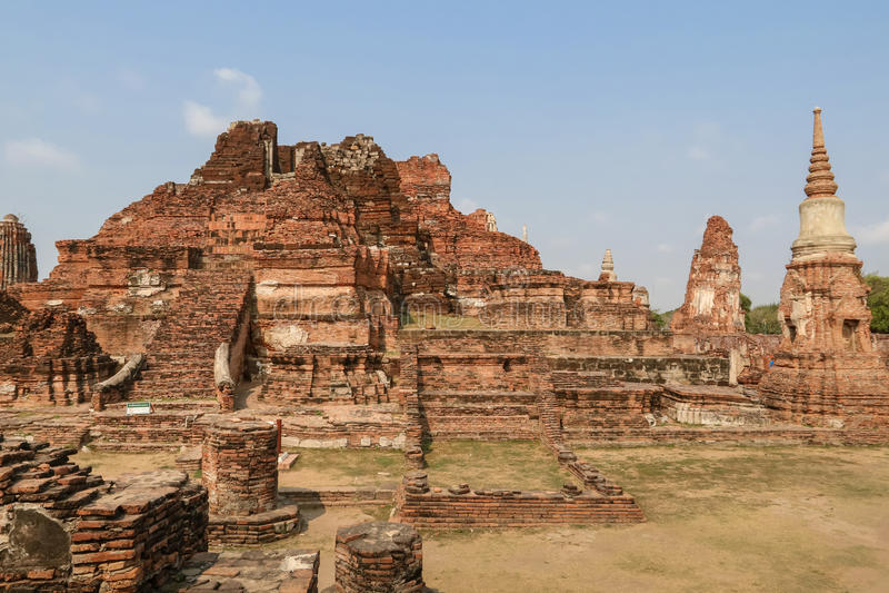 Local arqueológico no templo Ayutthaya foto de stock royalty free