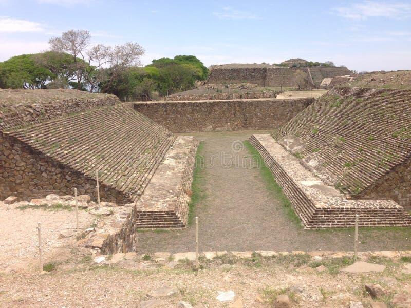 local arqueológico, ruínas de Monte Alban em Oaxaca, México imagem de stock royalty free