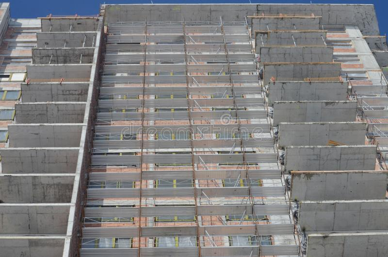 Local da construção civil com andaime imagem de stock royalty free