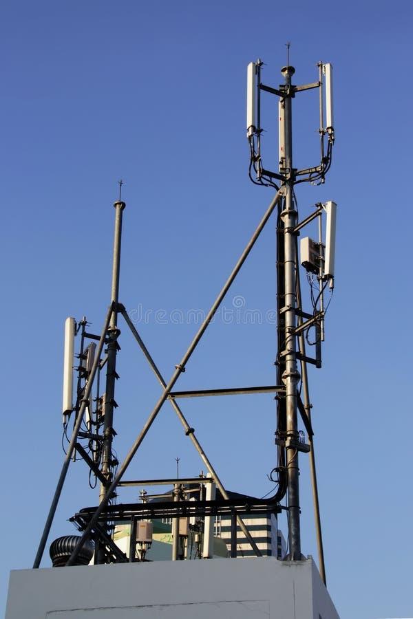 local da pilha 4G, torre de rádio ou estação base do telefone celular fotografia de stock royalty free