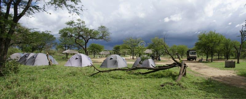Local de acampamento de Serengeti fotos de stock royalty free
