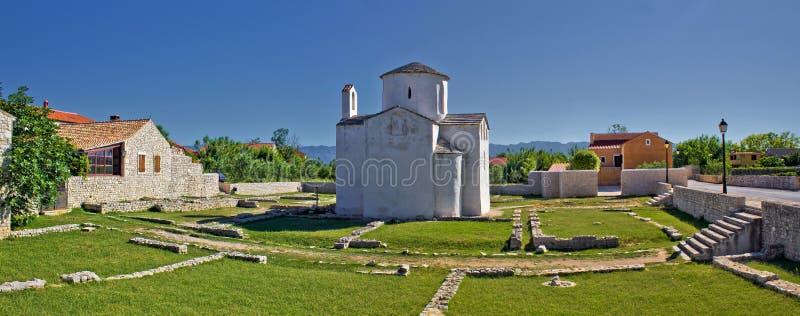 Local histórico - cidade da catedral de Nin imagem de stock