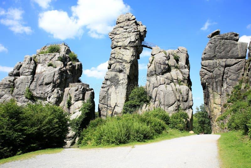 Local místico em Westphalia, Externsteine, Alemanha fotos de stock