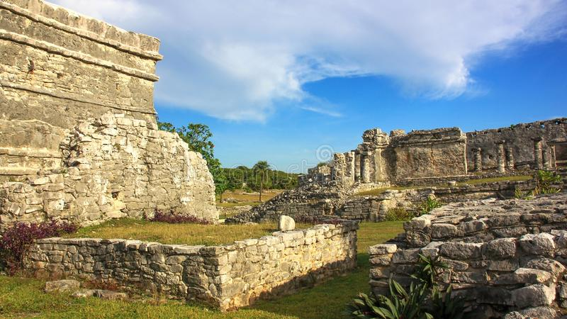 Local maia do patrimônio mundial do UNESCO das ruínas de México Quintana Roo Tulum foto de stock royalty free