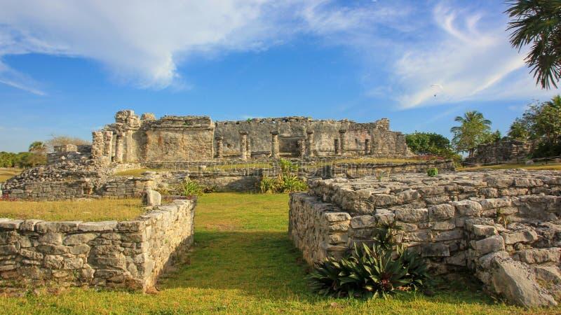 Local maia do patrimônio mundial do UNESCO das ruínas de México Quintana Roo Tulum imagem de stock royalty free