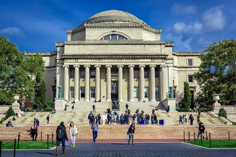 Locali della biblioteca dell'università di Columbia con le colonne e la cupola fotografia stock