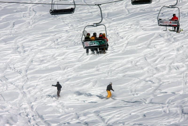 Località di soggiorno di corsa con gli sci Gudauri in Georgia, Caucaso Montains fotografia stock libera da diritti