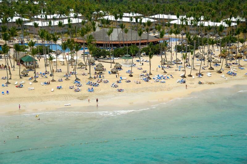 Località di soggiorno dell'hotel vicino alla spiaggia fotografia stock