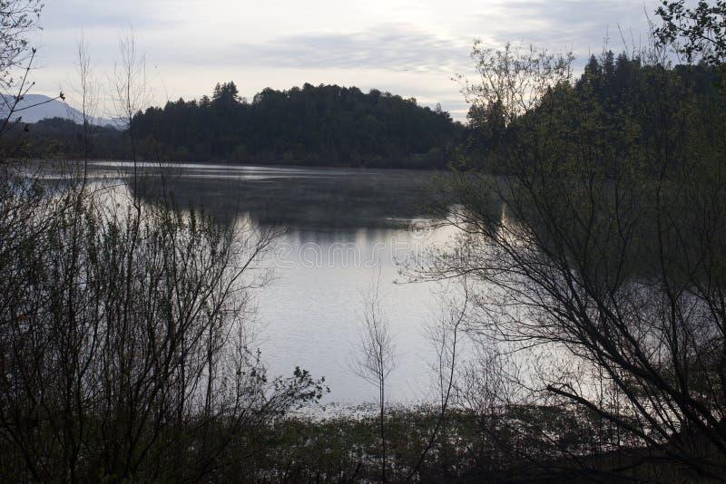 Localizado ao longo do rio do russo, o parque regional do beira-rio está apenas minutos de Windsor e de Healdsburg do centro fotografia de stock royalty free