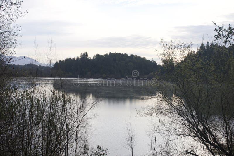 Localizado ao longo do rio do russo, o parque regional do beira-rio está apenas minutos de Windsor e de Healdsburg do centro foto de stock