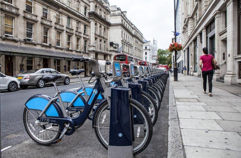 Location de cycle de Londres photographie stock