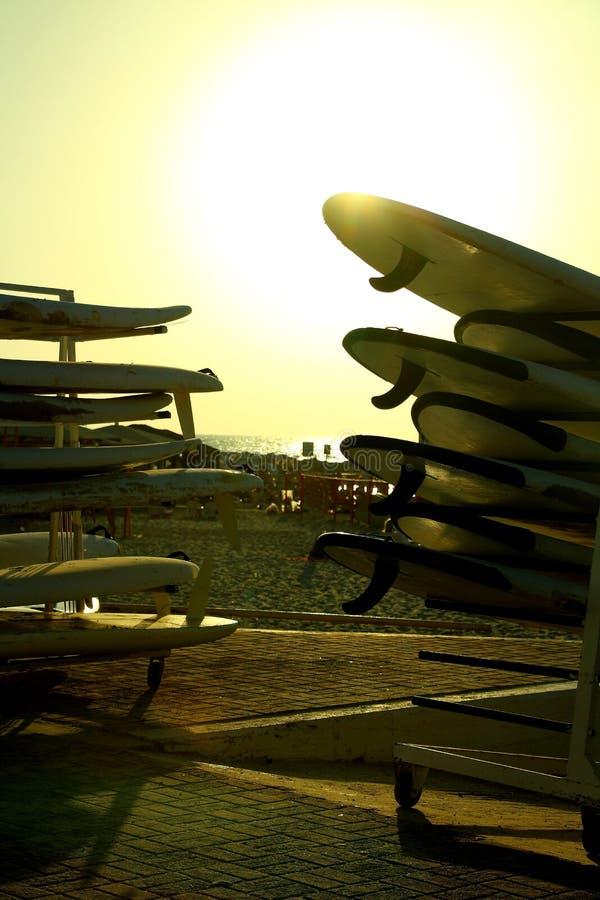 Location de planche de surf image libre de droits
