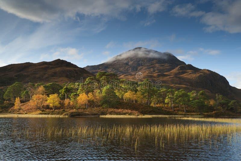 Loch Clai Reflexionen stockbild