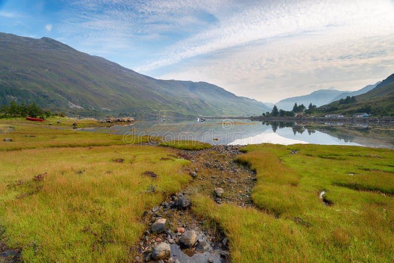 Loch Duich en Ecosse photographie stock libre de droits